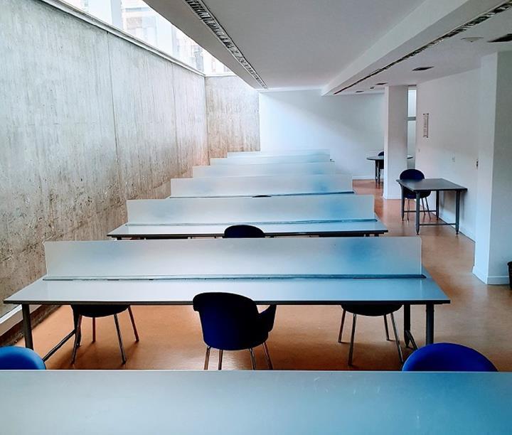 """Con la entrada en la fase 3 reabre, hoy, la sala de estudio de la Biblioteca municipal """"""""Pilar Barnés"""""""""""