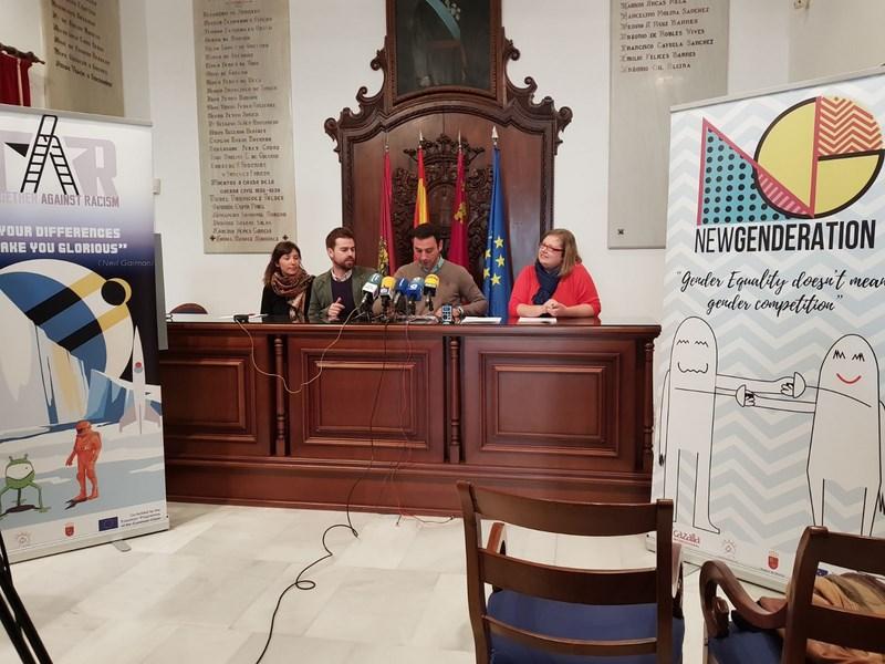 Cazalla Intercultural pone en marcha dos proyectos europeos en Lorca para que los jóvenes se sensibilicen contra el racismo y la violencia de género